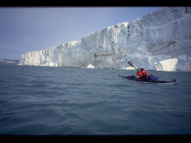 photo: Abild / Havig-Gjelseth, glacier, aventure au spistberg, kayak au spistberg, svalbard sea kayaking, svalbard expedition, kayak, icebergs