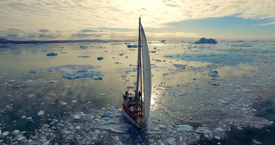 Iceberg, kayak, Guirec-et-monique, voyagedyvinec, tour du monde, poule, une poule en arctique, voile en arctique, groenland, arctic05 news, upernavik, france, voile polaire