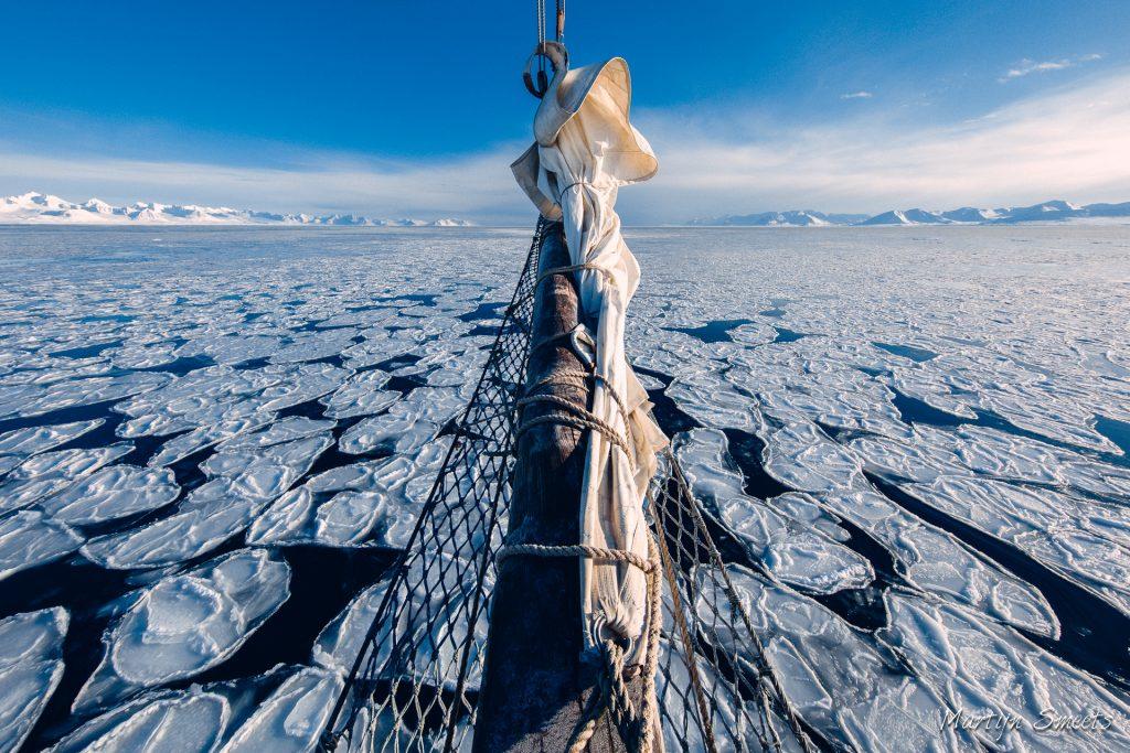 Martijn Smeets, Noorderlicht, pancake ice in Forlandsundet, Svalbard, Spitzbergen, sailing in April, Arctic05, Martijn Smeets fotografie, ice and boat
