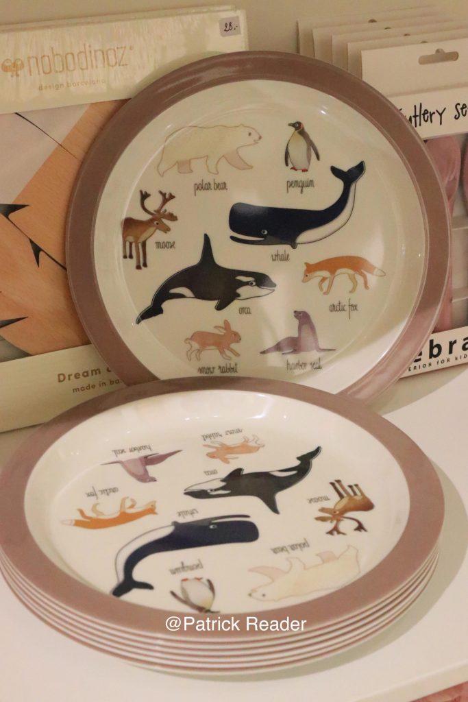 Couleur Locale Kids Knokke, boutique décoration intérieur, orque, assiette, renard polaire, phoque, ours blanc, Arctic05, baleine bleu, cygne, éléphant, doudou, faune polaire